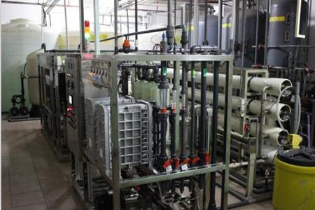 实验室超纯水设备的工作原理以及使用方法?