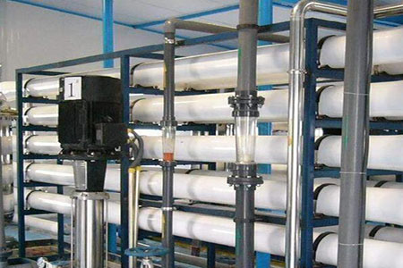 北京纯水设备工作原理及特点?