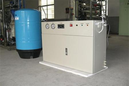 实验室纯水机厂家如何选择?